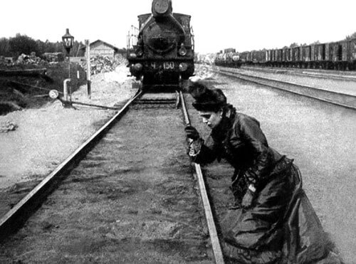 Anna Karenina about to jump in front of train